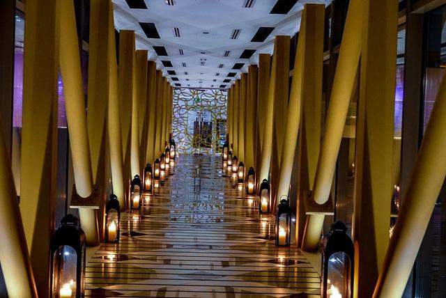 Tham quan khách sạn chọc trời tại Dubai - Ảnh 11.