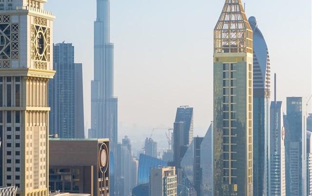 Tham quan khách sạn chọc trời tại Dubai - Ảnh 2.