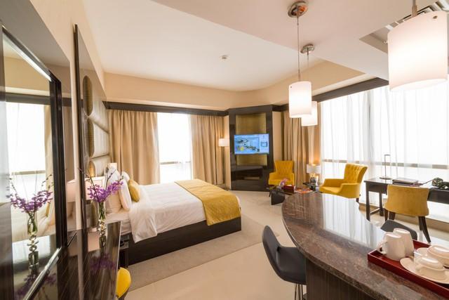 Tham quan khách sạn chọc trời tại Dubai - Ảnh 3.