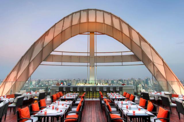 Tham quan khách sạn chọc trời tại Dubai - Ảnh 5.
