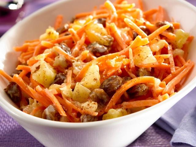 3 món salad vừa mát vừa đẹp cho năm mới với cà rốt - Ảnh 1.