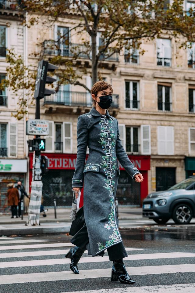 Paris Fashion Week Xuân – Hè 2021: mốt nhất là… khẩu trang - Ảnh 14.