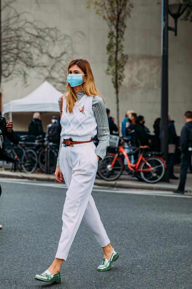 Paris Fashion Week Xuân – Hè 2021: mốt nhất là… khẩu trang - Ảnh 15.