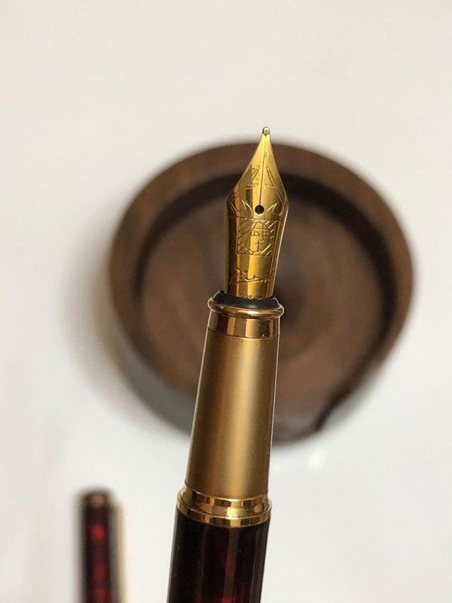 Một cây bút tạo nên những chữ ký xa xỉ - Ảnh 5.