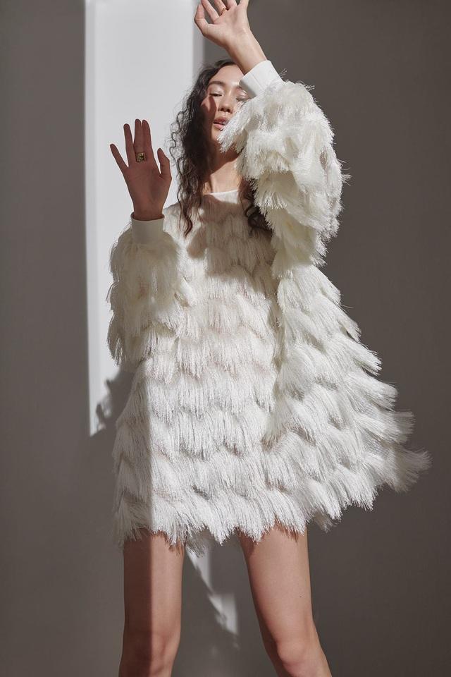 10 bộ váy cô dâu đẹp nhất mùa cưới này - Ảnh 4.