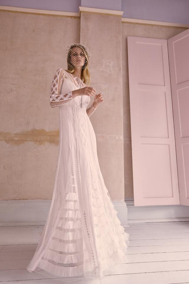 10 bộ váy cô dâu đẹp nhất mùa cưới này - Ảnh 7.