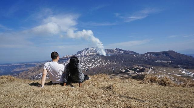 6 núi lửa nổi tiếng nhất tại Nhật Bản - Ảnh 4.