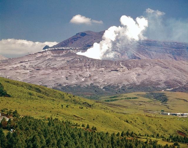 6 núi lửa nổi tiếng nhất tại Nhật Bản - Ảnh 5.