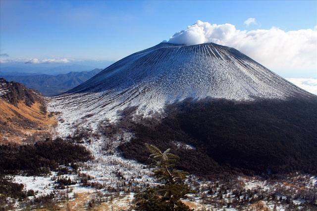 6 núi lửa nổi tiếng nhất tại Nhật Bản - Ảnh 10.