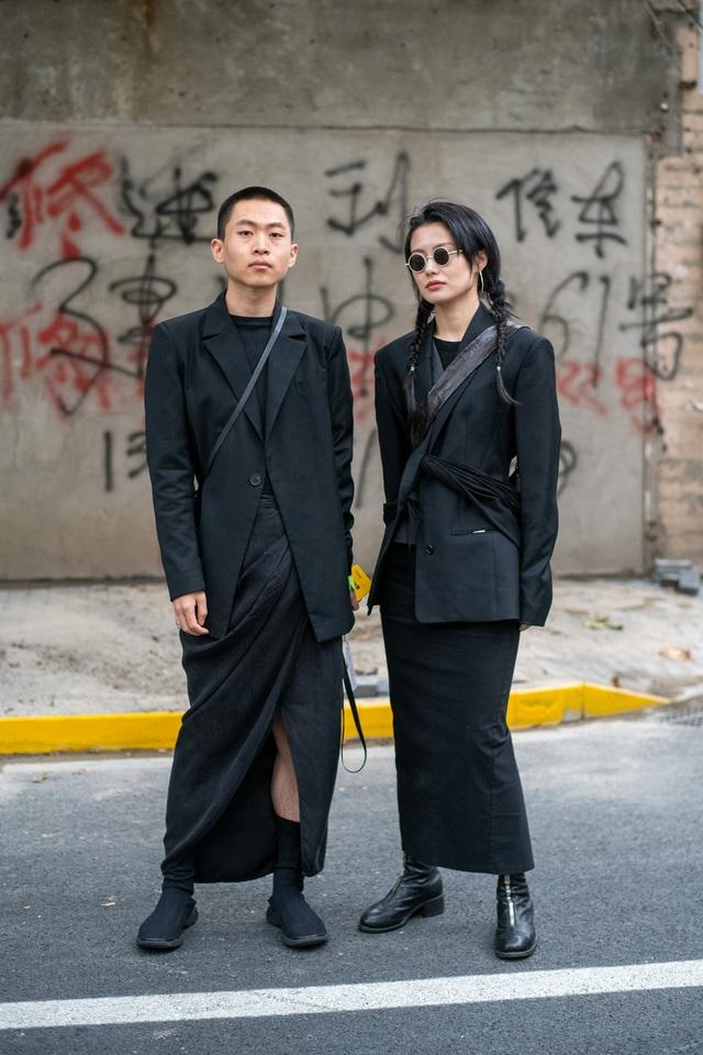 Street style tại các tuần lễ thời trang: suits vẫn phủ sóng - Ảnh 5.