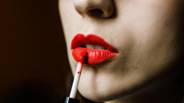 8 lỗi dùng son môi có thể bạn đang mắc phải - Ảnh 7.