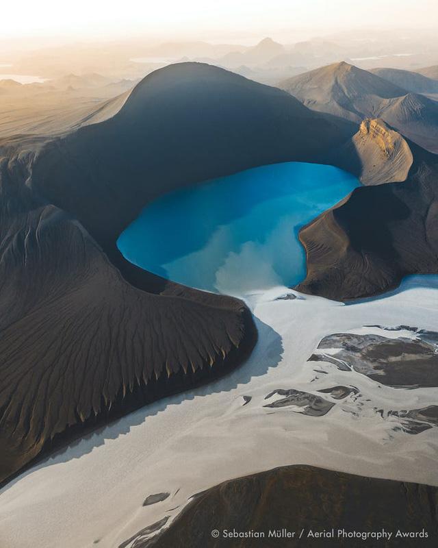 23 bức ảnh chụp từ trên không sẽ đưa bạn đến nhiều nơi trên thế giới - Ảnh 17.