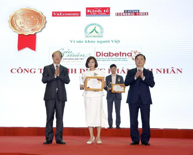 Bảo Xuân vinh dự nhận giải thưởng Sản phẩm nội tiết tố nữ được tin dùng số 1 Việt Nam - Ảnh 1.