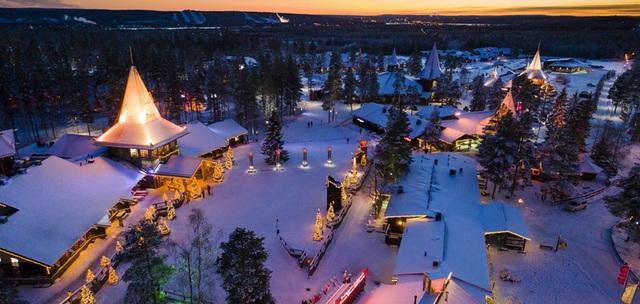 Giáng sinh vắng vẻ tại mọi thành phố trên thế giới - Ảnh 3.