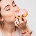 Phụ nữ muốn đẹp hãy ngừng ăn đồ ngọt!