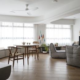 Căn hộ kỳ lạ với phòng khách tròn dành cho những cuộc tụ họp