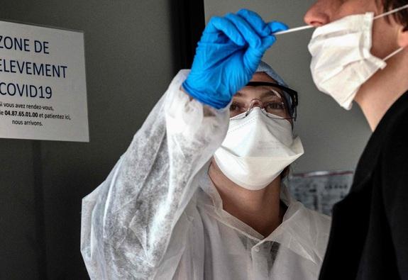 WHO cảnh báo về nguy cơ bùng phát đợt dịch Covid-19 mới